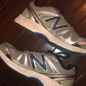 New Balance 880 V3 Wide Tennis Shoes
